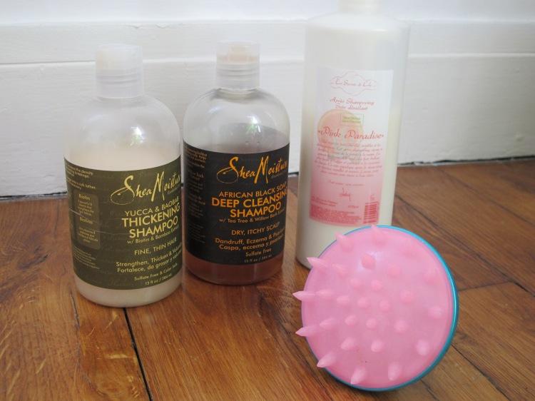 Brosse massante pour cuir chevelu, Shampoings Shea Moisture et Après shampoing Les sercrets de Loly