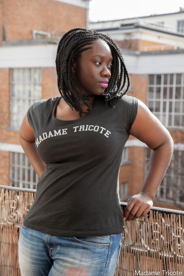 A titre indicatif, je porte le tee-shirt en taille M sur cette photo