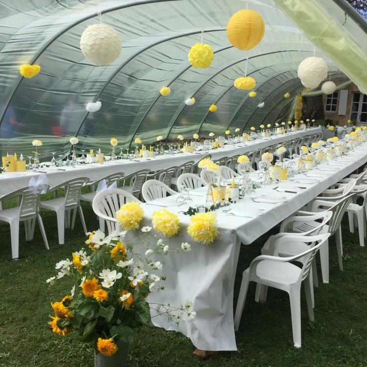 table mariée jaune et blanc DIY